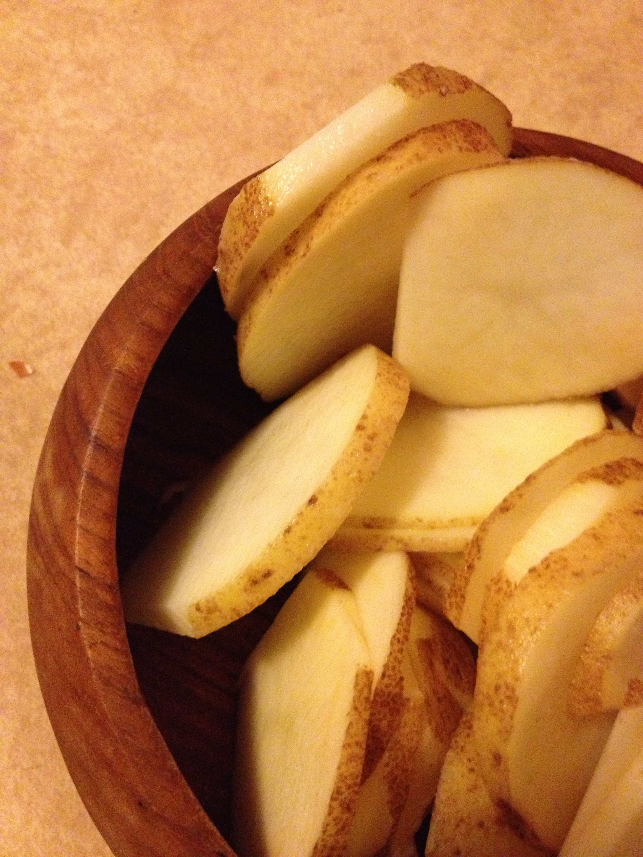 Sliced uncooked taters